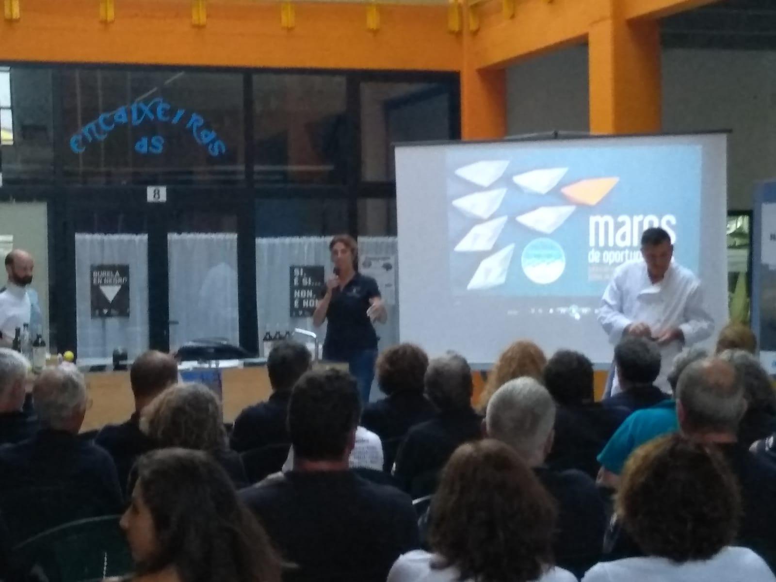 """Os navegantes da """"IV Travesía Navega el Camino"""" asisten a un showcooking organizado polo GALP A Mariña-Ortegal"""