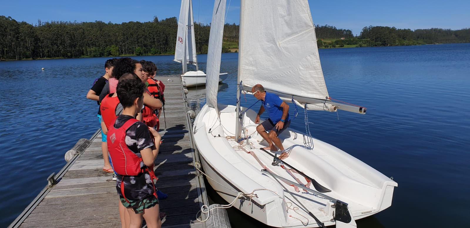 O IES Cabo Ortegal e o IES Punta Candieira participan nas actividades de deportes acuáticos de Xogando na Auga